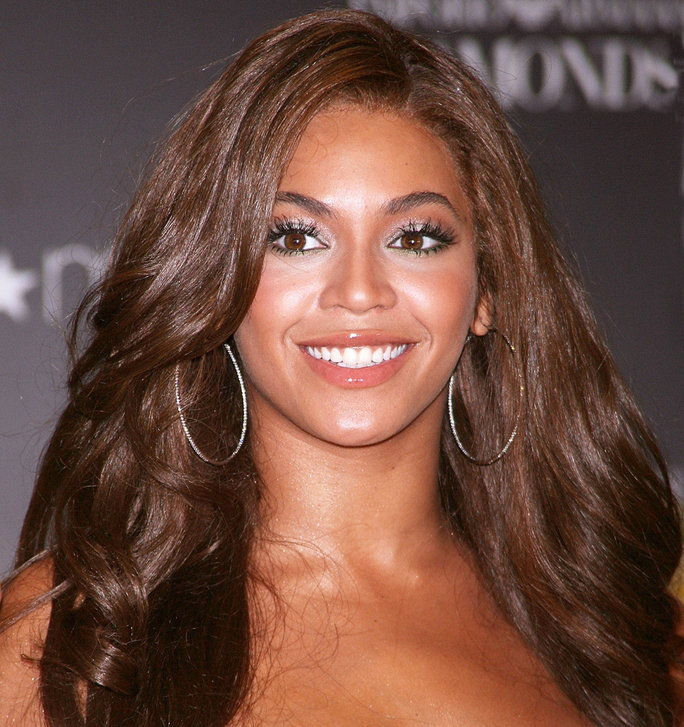 الشقراوات Vs. Brunettes - Slider - Beyonce Brunette