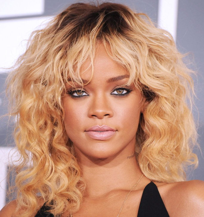 الشقراوات Vs. Brunettes - Slider - Rihanna Blonde