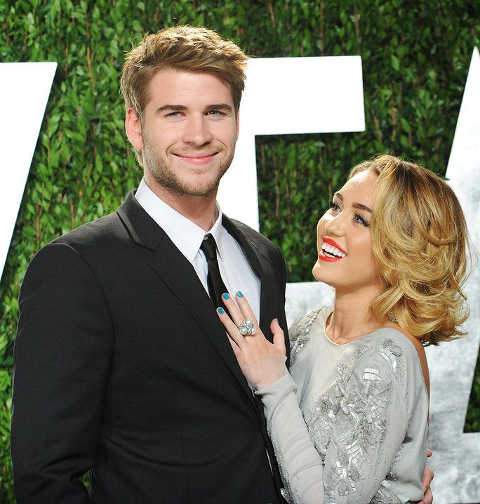 ليام Hemsworth and Miley Cyrus - February 26, 2012 - LEAD