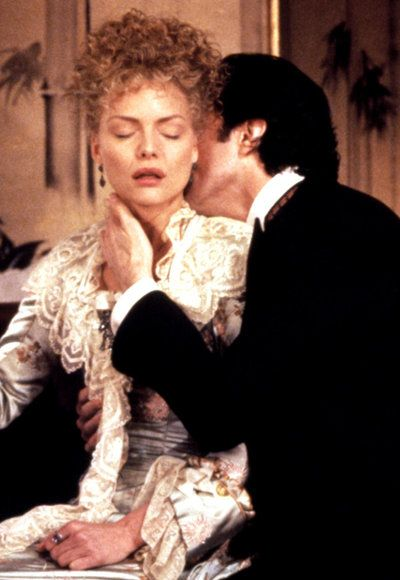 Икона Kisses - The Age of Innocence - Michelle Pfeiffer