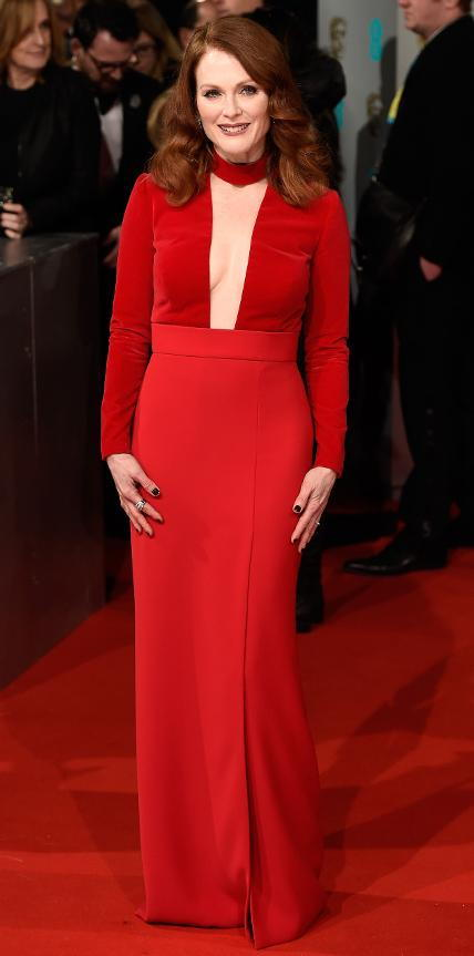 جوليان Moore in Tom Ford.