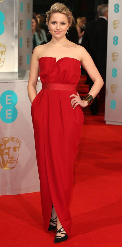ديانا Agron in a crimson strapless gown.