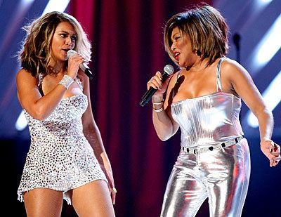 بيونسيه. tina turner; grammy performance