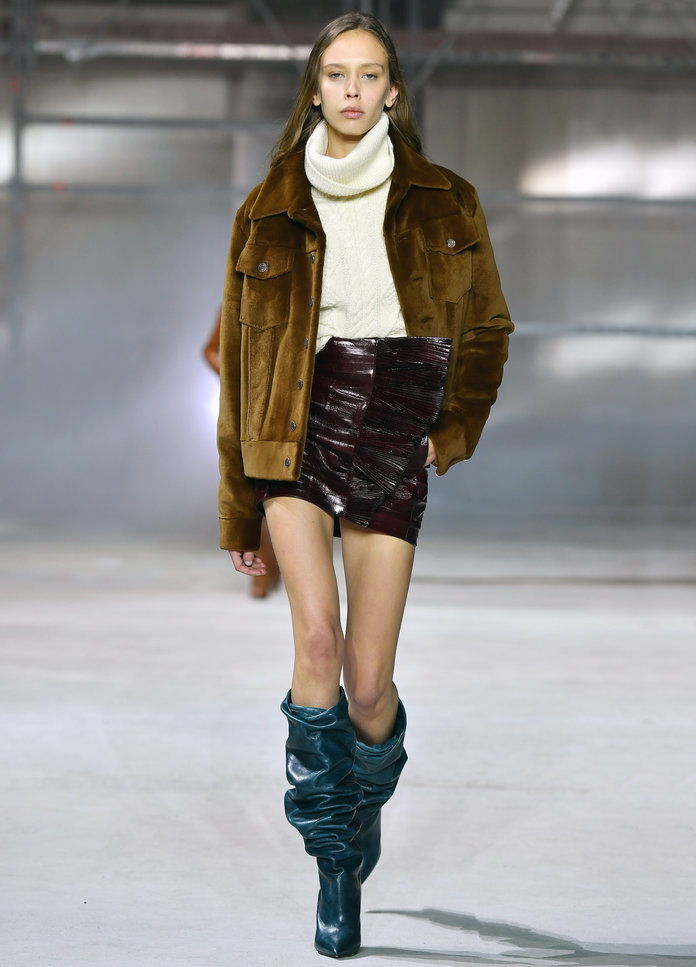 Саинт Laurent Runway - LEAD