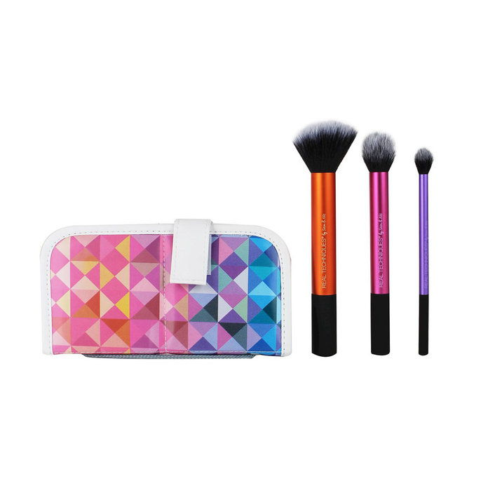 Прави Techniques Multi-Tasking Kabuki Brush Set
