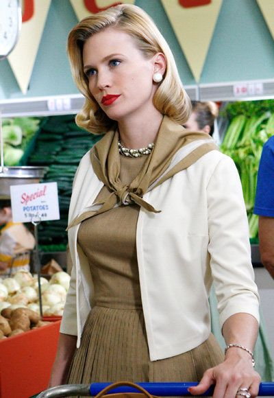 كانون الثاني Jones - The Most Fashionable TV Housewives - Mad Men
