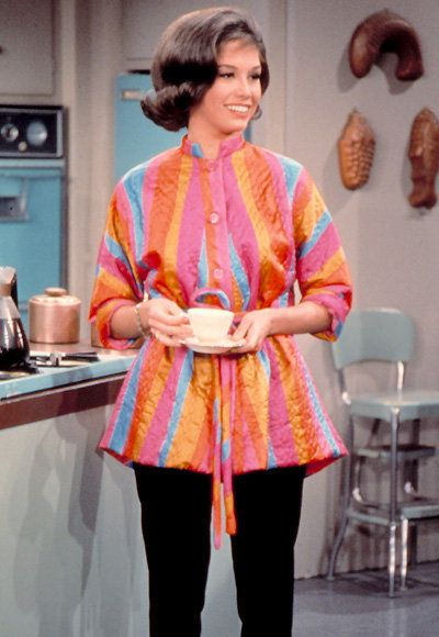 مريم العذراء Tyler Moore - The Most Fashionable TV Housewives - The Dick Van Dyke Show