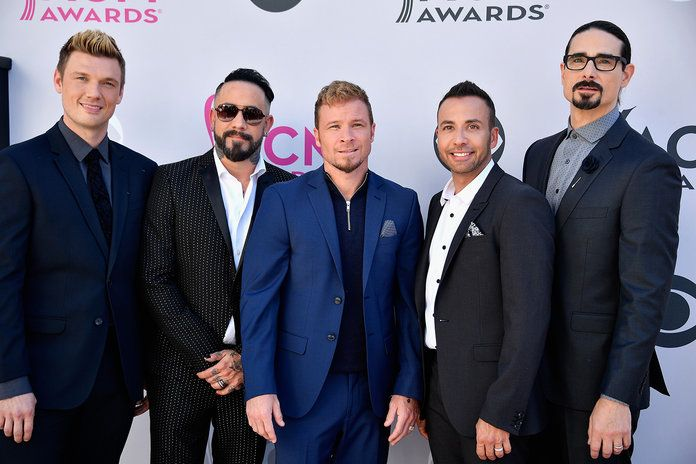 Ницк Carter, AJ McLean, Brian Littrell, Howie D, and Kevin Richardson of the Backstreet Boys
