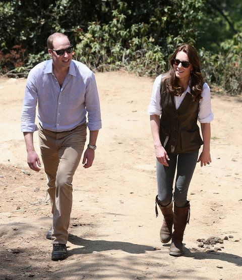 Принце William, Duke of Cambridge and Catherine, Duchess of Cambridge trek up to Tiger's Nest during a visit to Bhutan on the 15th April 2016 in Thimphu, Bhutan. The Royal couple are visiting Bhutan as part of a week long visit to India and Bhutan that ha