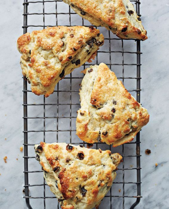 Росемари and Currant Scones recipe