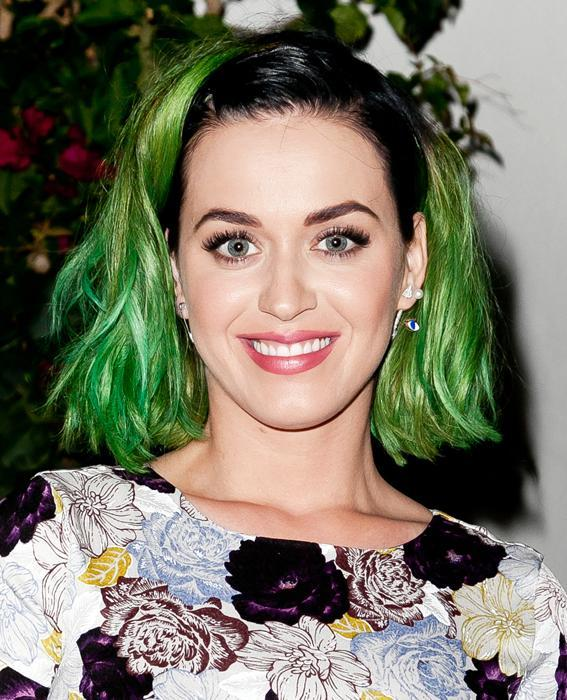 كاتي Perry with green hair
