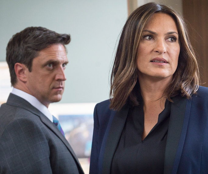 Када she went for a dramatic center part with some body to it—and Assistant District Attorney Rafael Barba couldn't look away.