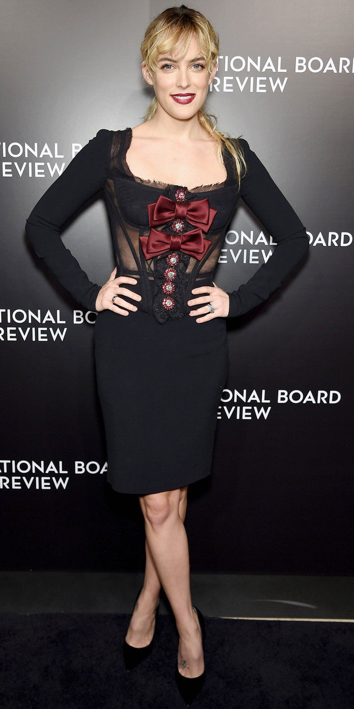 في Dolce & Gabbana at the 2016 National Board of Review Gala