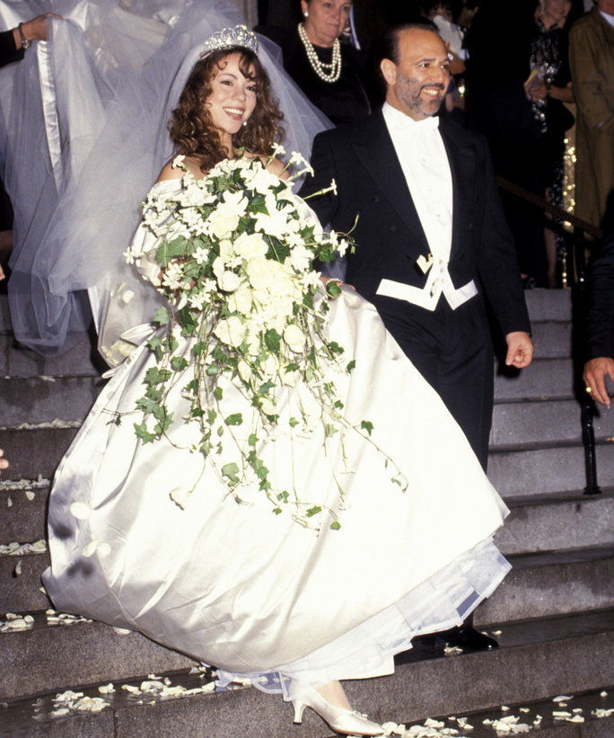 Wedding Line Dances: Ови популарни парови су имали највише деведесетих венчања ЕВЕР