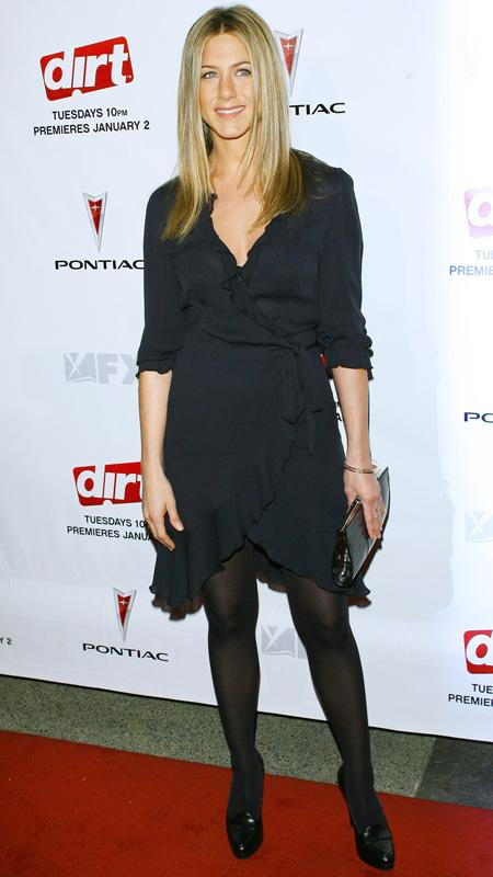 جنيفر Aniston little black wrap dress