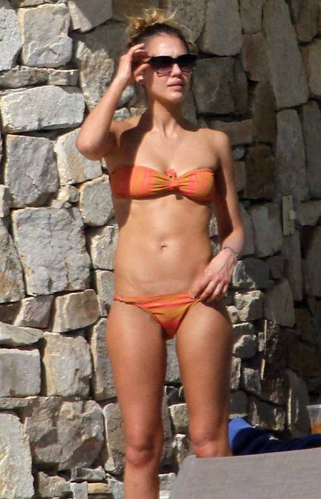 نجاح كبير Swimsuits 2013 - Jessica Alba