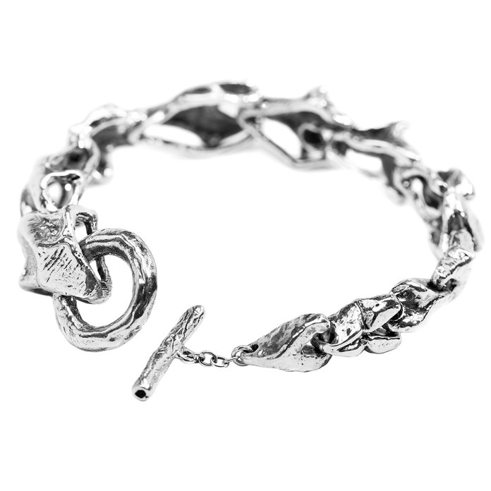 Деликатна Breaking Chains Bracelet