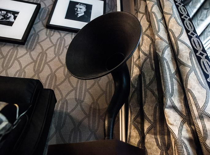 فيتزجيرالد Suite at The Plaza - Gramophone-shaped speaker
