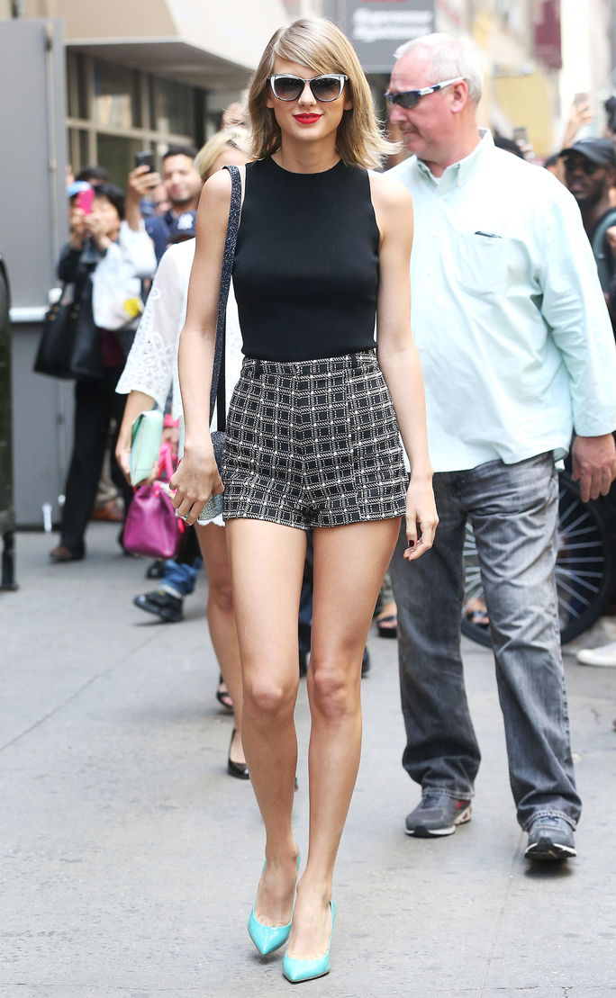 تايلور Swift out and about in New York