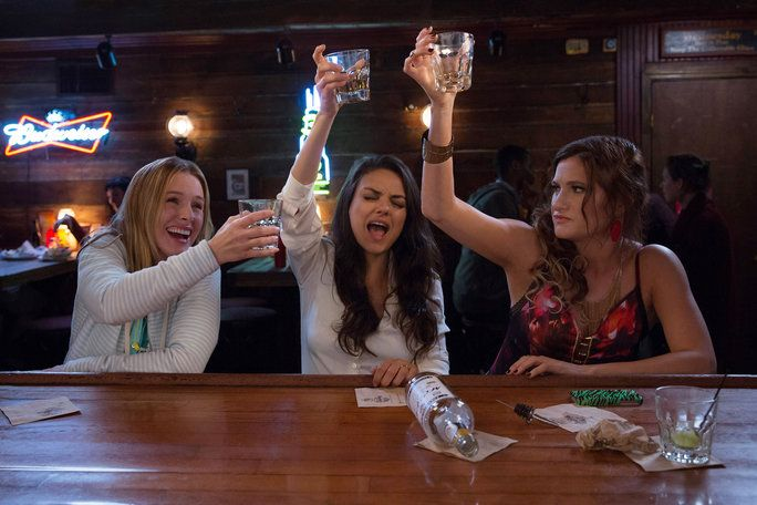 ازياء in Bad Moms Lead