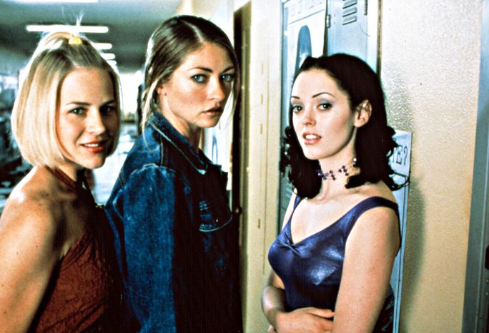 الحلوى القاسية، from left: Julie Benz, Rebecca Gayheart, Rose McGowan, 1999.