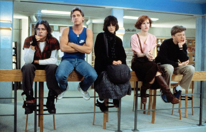 ال BREAKFAST CLUB, Judd Nelson, Emilio Estevez, Ally Sheedy, Molly Ringwald, Anthony Michael Hall, 1985. ©Universal Pictures/Courtesy Everett Collection