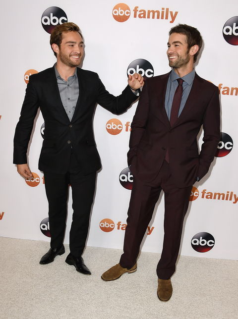 Глумци Ed Westwick (L) and Chace Crawford attend Disney ABC Television Group's 2015 TCA Summer Press Tour at the Beverly Hilton Hotel on August 4, 2015 in Beverly Hills, California.