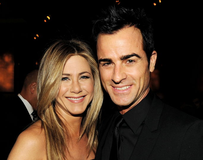 Јеннифер Aniston and Justin Theroux JANUARY 28, 2012