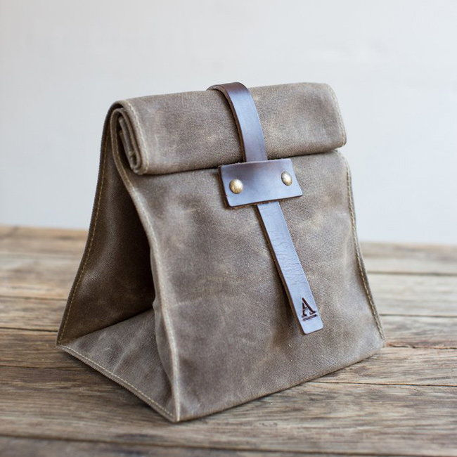 غداء Tote with Tab