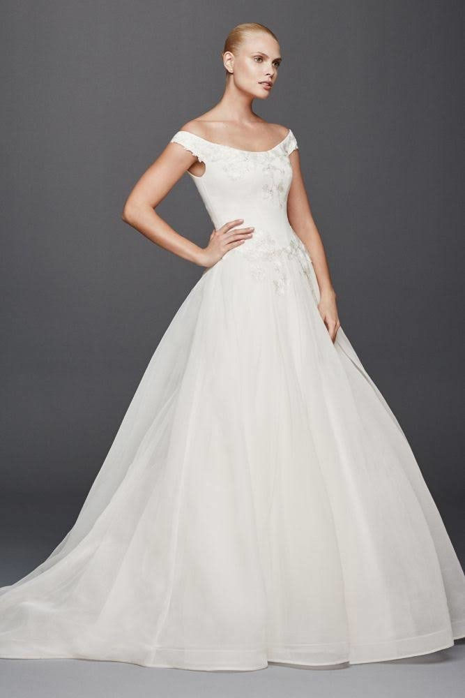 Стварно Zac Posen Off the Shoulder Wedding Dress
