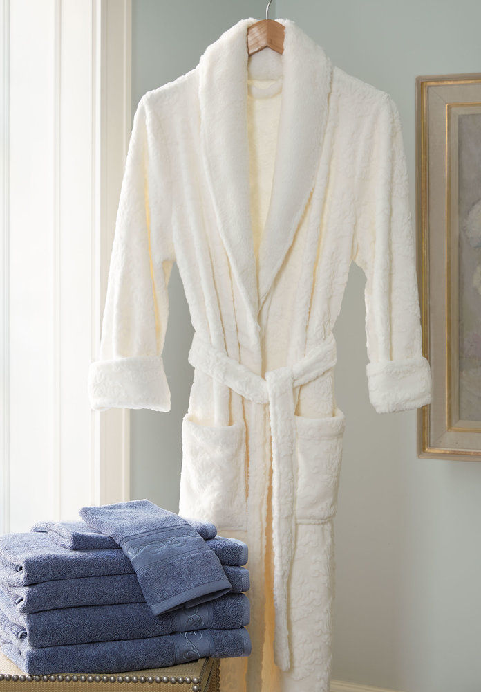 مخمل Soft Medallion Robe with Faux Fur Collar