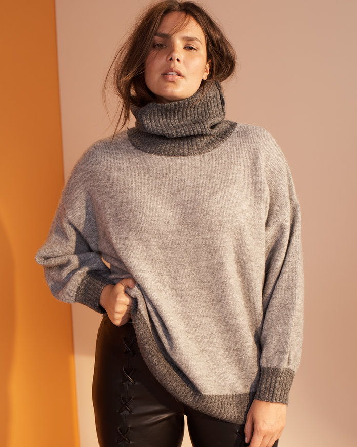 ТХЕ SLOUCHY TURTLENECK SWEATER
