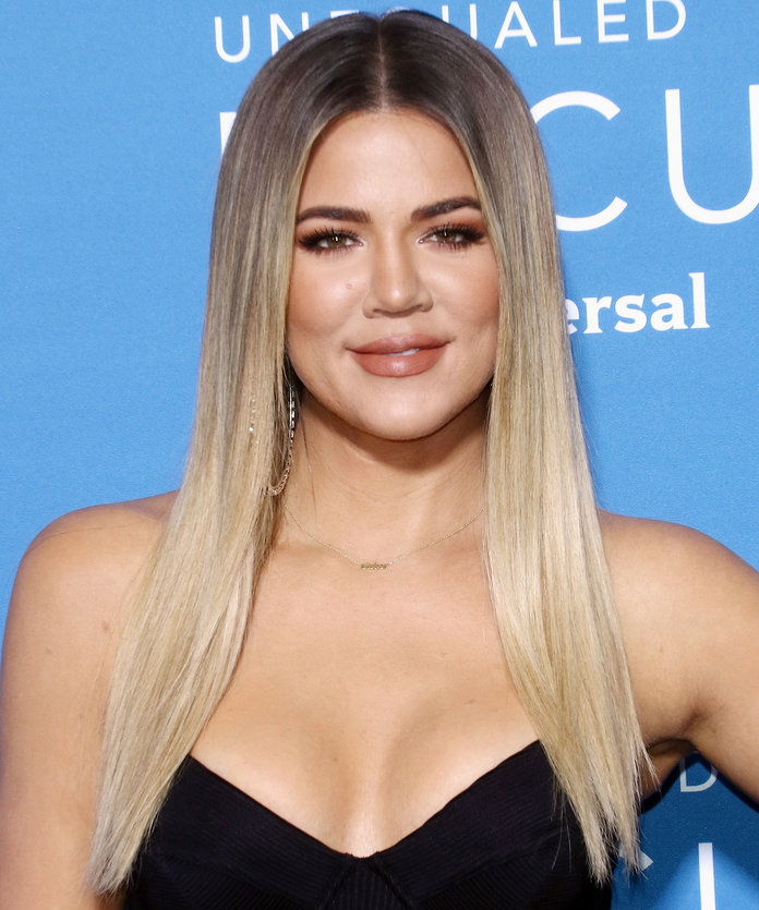 Khloe ل Kardashian's Sleek & Minimal Layers