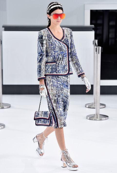 Кендалл Jenner at Chanel - Embed