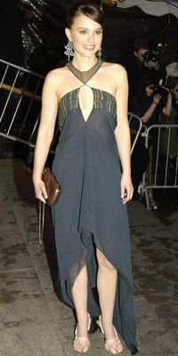 Наталие Portman in Stella McCartney, 2004