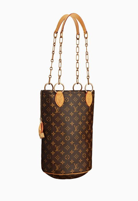 Карл Lagerfeld's Louis Vuitton Punching Bag