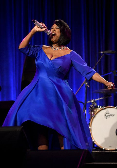 НОВО YORK, NY - OCTOBER 19: Patti LaBelle performs during Angel Ball 2015 hosted by Gabrielle's Angel Foundation at Cipriani Wall Street on October 19, 2015 in New York City. (Photo by Bryan Bedder/Getty Images for Gabrielle's Angel Foundation)