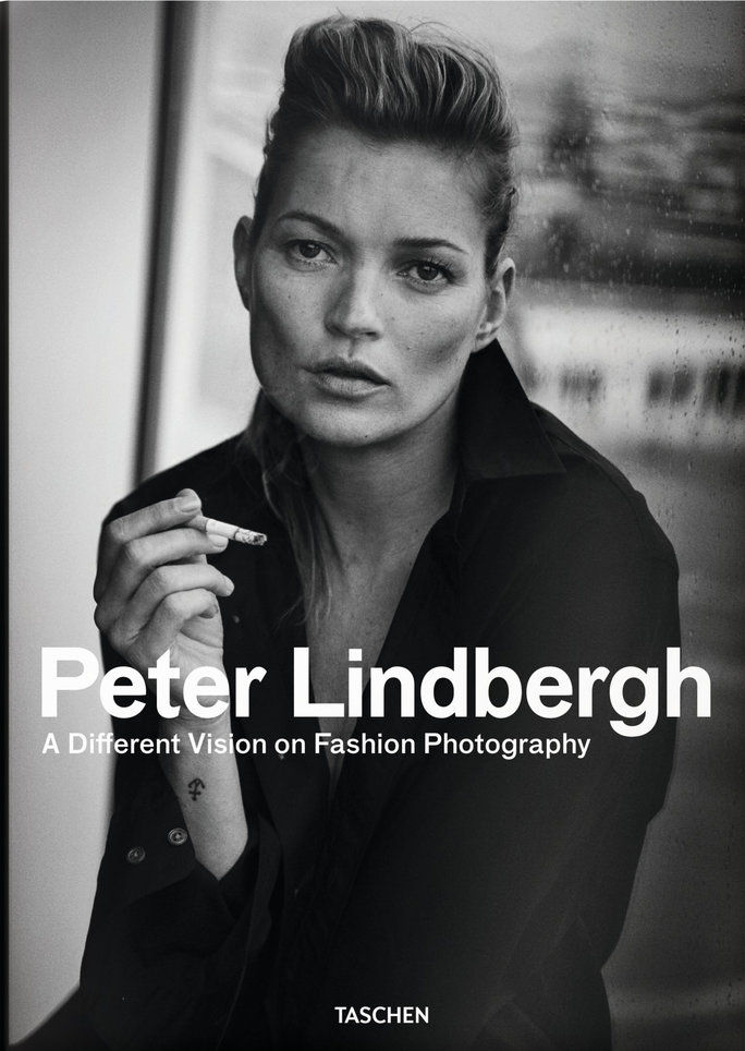 Петер Lindbergh: A Different Vision on Fashion Photography by Thierry-Maxime Loriot