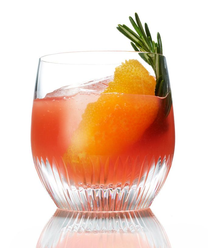 Крв Orange Old-Fashioned with Honey and Rosemary
