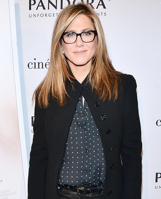 المشاهير in Glasses: Jennifer Aniston