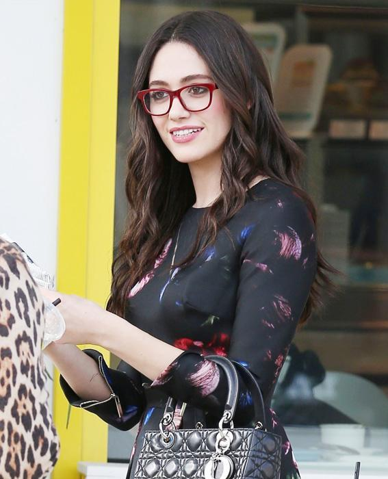 المشاهير in Glasses: Emmy Rossum