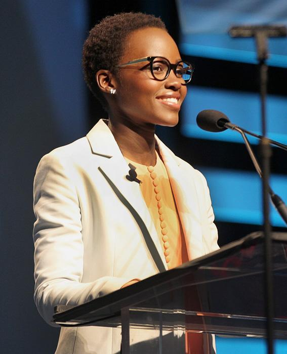 المشاهير in Glasses: Lupita Nyong'o