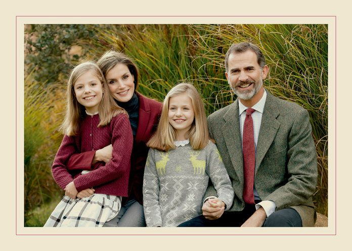 Кинг Felipe VI, Queen Letizia, Princess Leonor, and Infanta Sofía of Spain, 2016
