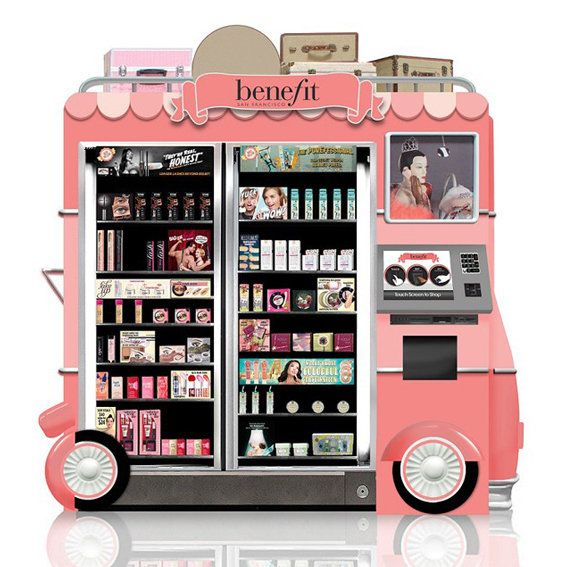 فائدة Glam Up & Away Beauty Kiosk