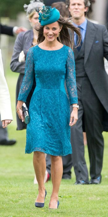 Пиппа Best Outfits - teal lace dress