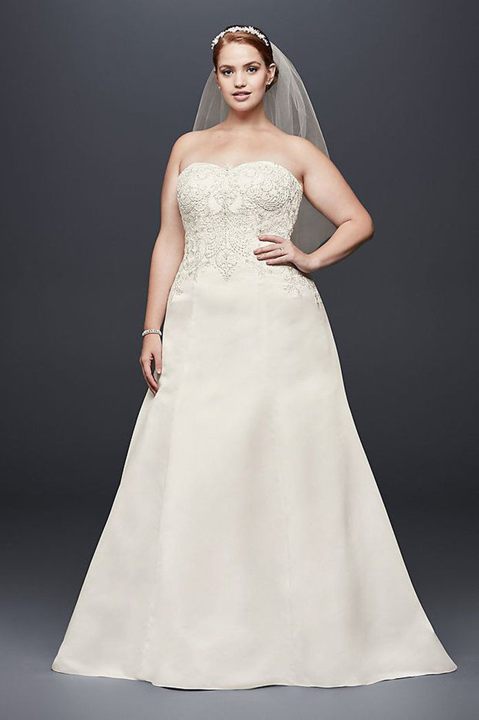 Давид's Bridal Collection Satin Strapless A-line Plus Size Wedding Dress