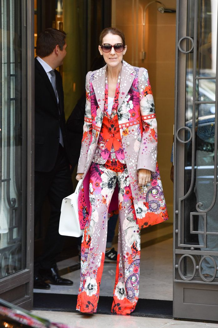 في HEAD-TO-TOE FLORALS