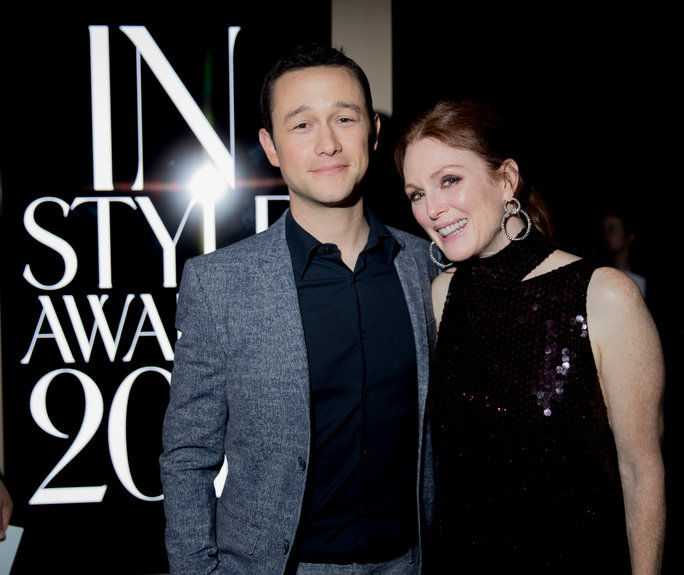 Јосепх Gordon-Levitt and Julianne Moore