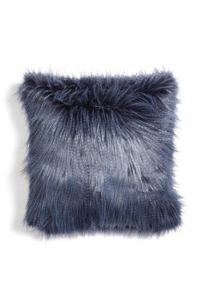 Нордстром at Home Fauna Faux Fur Pillow