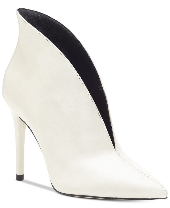 Lasnia Pointy-Toe Booties